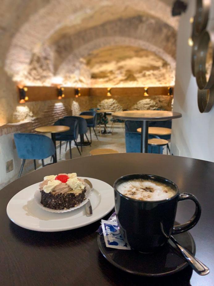 Café & Copas Alcaravan Imagen